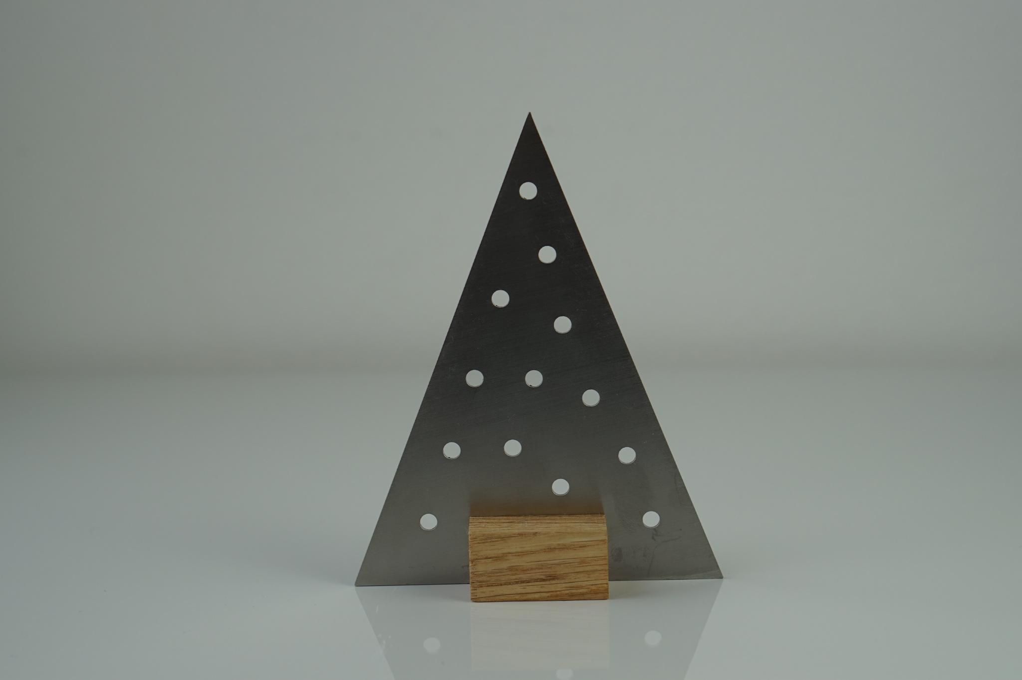 edelstahl weihnachtsbaum charlotte sama metalldesign. Black Bedroom Furniture Sets. Home Design Ideas